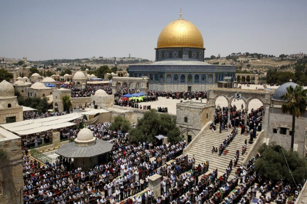 Senangnya, Kini Jamaah Tuna Rungu di Masjid Al Aqsa Bisa Memahami Khutbah