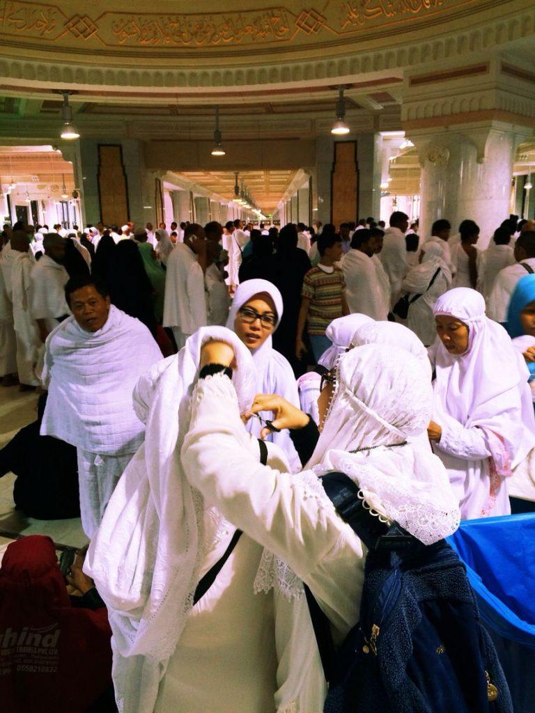Makna Tahallul saat Haji atau Umroh - Umroh.com