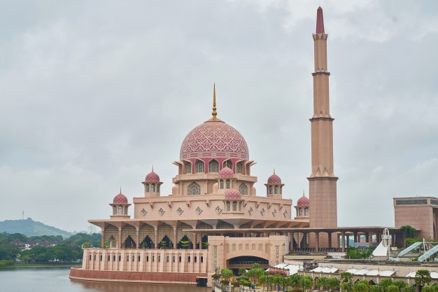 5 masjid bersejarah di jakarta
