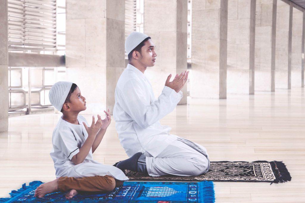Ini Tata Cara Lengkap Sholat Sunnah Hajat yang Benar ...